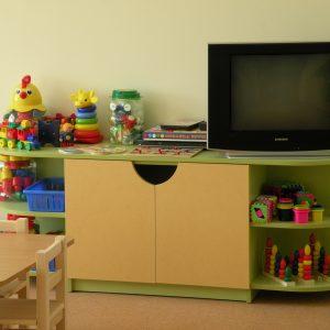 Стеллаж для игрушек двухсторонний. Мебель для детского сада в Калининграде