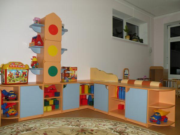 Угловой стеллаж для игрушек Светофор в Калининграде
